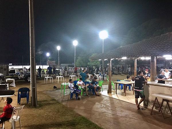 De todas as partes do campo, torcedores acompanharam atentamente os jogos da 1ª Copa Horti Fruti Santa Rita - Tony Gol (Foto: Divulgaçao)