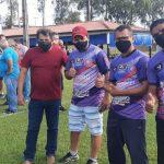 Diretores agradecem o vereador Ademir Santana pelo apoio e o sucesso da entidade em prol do futebol amador no Estado